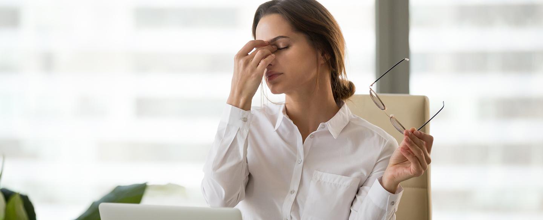 Болят глаза при синдроме сухого глаза